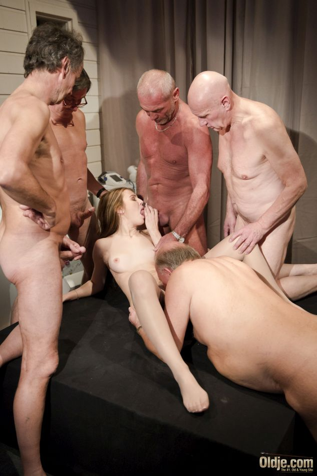 old men hang sex jpg 422x640