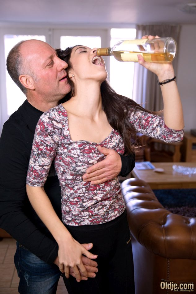 Young babe gets wasted and seduced by old man